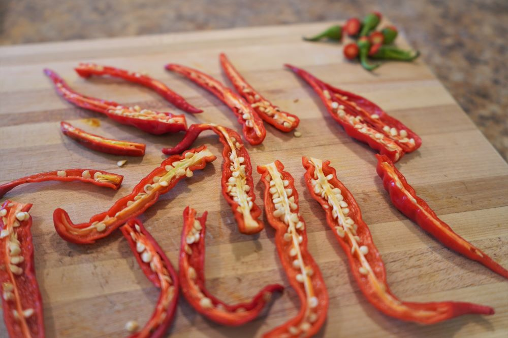 How To Dry Cayenne Peppers