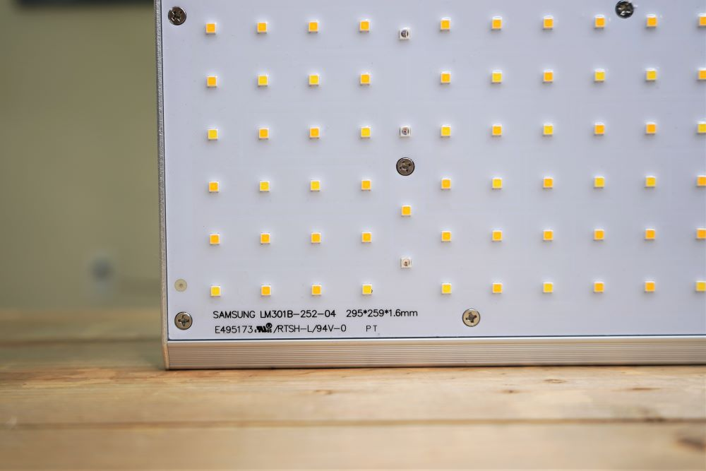 ViparSpectra XS 1000 LEDs off